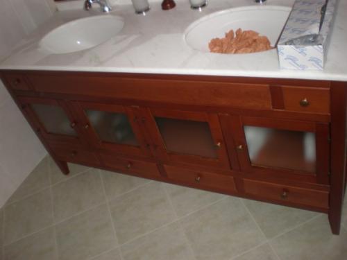 Arredo Bagno Artigianale : Arredo bagno falegnameria artigianale castiglione fulgatore
