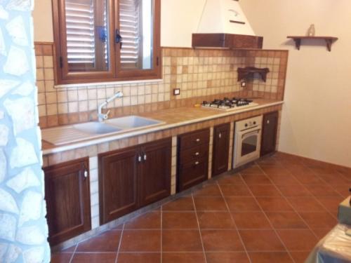 Cucine artigianali in muratura falegnameria artigianale - Cucine artigianali in legno massello ...